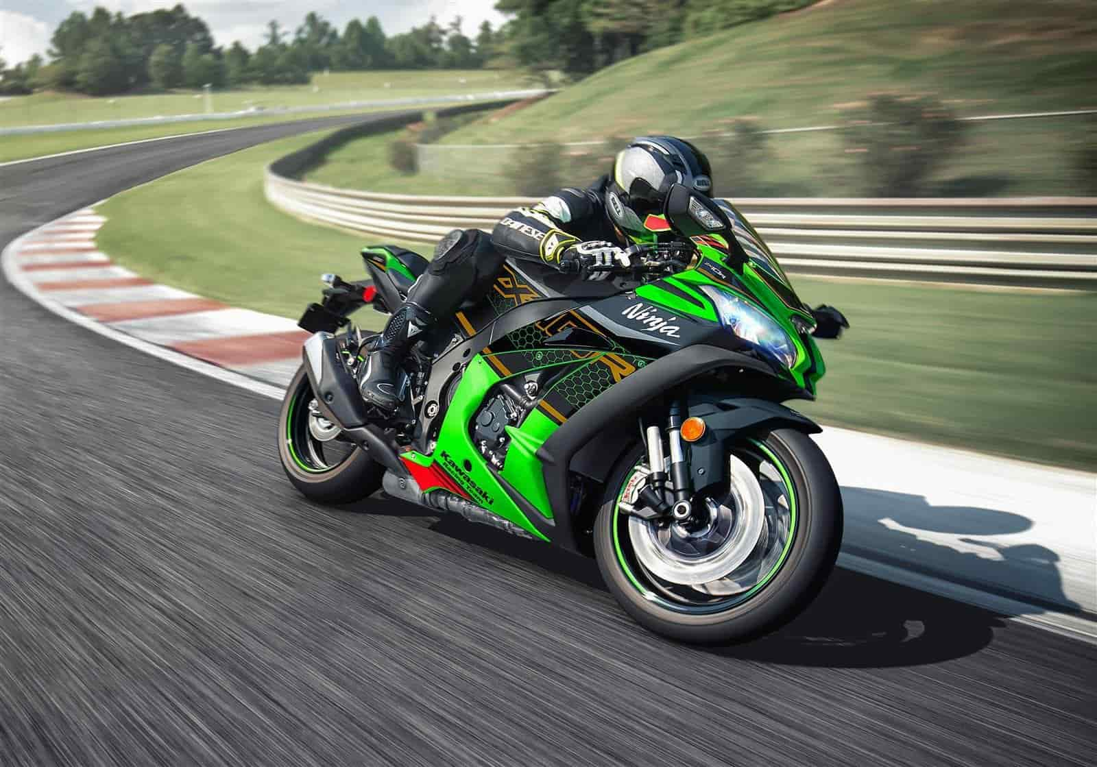 sportive-moto-kawasaki-montpellier-performance-puissance-circuit